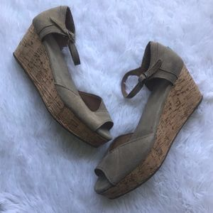 TOMS Tan Suede Wedge Espadrille Sandals Open Toe 8